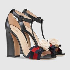 Guaranteed authentic Gucci Sandals up to off. Tradesy is trusted for authentic new and pre-owned Gucci - Safe shipping and easy returns. Zapatos Shoes, Shoes Heels, Pumps, Cute Shoes, Me Too Shoes, Gucci Shoes, Gucci Gucci, Beautiful Shoes, Shoe Collection