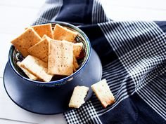 Gluten-free Whole 30 Cheesy Crackers — Health Food Project