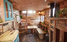 Horse Box Truck Turned into Beautiful House Truck Named Helga Tiny House Lov Iveco Daily Camper, Horse Box Conversion, Camper Conversion, Luxury Mobile Homes, Truck Names, Truck House, Box Houses, Tiny Houses, Truck Interior