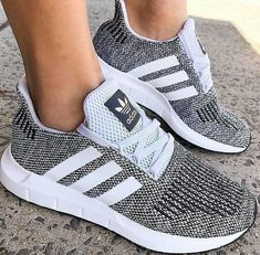 Adidas has really upped their game in the shoe dept! - Adidas White Sneakers - Latest and fashionable shoes - Adidas has really upped their game in the shoe dept! Cute Shoes, Women's Shoes, Me Too Shoes, Shoe Boots, Shoes Sneakers, Shoes Style, White Sneakers, Ebay Sneakers, Kicks Shoes
