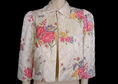 VINTAGE '40s LUXURIOUS FLORAL RAYON SATIN QUILTED BED JACKET