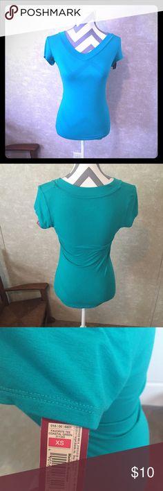 NWT Mossino Shirt Aqua blue form fitting tee. Mossimo Supply Co Tops Tees - Short Sleeve