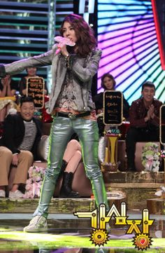 2NE1 Sandara Park in Balmain on Strong Heart | Kpop Fashion