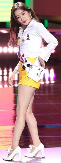 #irene South Korean Girls, Korean Girl Groups, Redvelvet Kpop, Red Velvet Irene, Korean Bands, Cute Asian Girls, Seulgi, Swagg, Kpop Girls