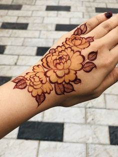 A new mehendi technique for mehendi lovers.