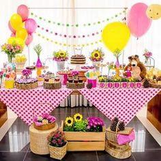 Fiesta Masha y el Oso Picnic Birthday, Bear Birthday, 4th Birthday Parties, Girl Birthday, Masha Et Mishka, Fete Emma, Marsha And The Bear, Bear Party, Party Decoration
