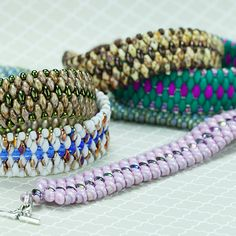 Video:  Snake Skin Bracelet with Super Duos from Auntie's Beads.  #Seed #Bead #Tutorials