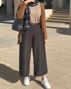 Fashion Tips Outfits .Fashion Tips Outfits Hijab Fashion Summer, Modest Fashion Hijab, Modern Hijab Fashion, Street Hijab Fashion, Casual Hijab Outfit, Hijab Fashion Inspiration, Fashion Mode, Muslim Fashion, Fashion Outfits