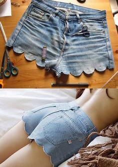Con el buen tiempo llega la hora de ponerse de corto. Si tienes en tu armario unos pantalones cortos de otra temporada, ¡no lo tires! Convierte un básico soso y aburrido en un short tendencia para el verano. Rotos y desteñidos, puntillas y encajes, dibujos y estampados, cadenas o bolsillos decorados… ¡Renueva tus pantalones creando …