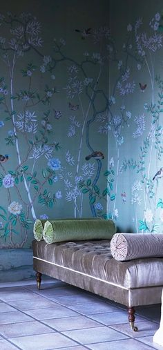 deGournay wallpaper - love the wall