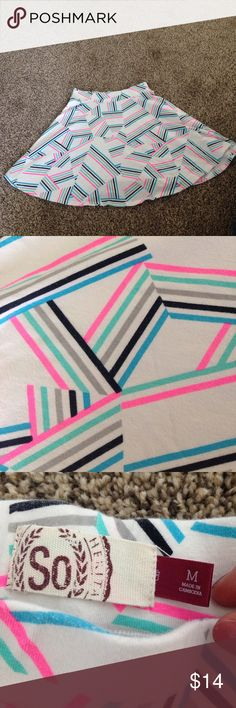 """Cute retro-lines elastic waist skirt!! Such a cute skirt!! Chaotic retro bright lines in black, pink, sea foam green, and blue. Skirt is elastic waits, size medium. 16"""" in length from top of elastic waist to bottom of skirt.In excellent condition, and ready to help you Stand out!! Skirts Mini"""