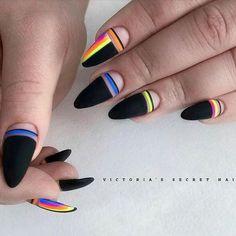 Fancy Nails, Diy Nails, Cute Nails, Pretty Nails, Nail Design Stiletto, Nail Design Glitter, Geometric Nail, Instagram Nails, Nagel Gel