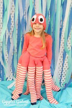 Halloween costumes for girls - DIY Octopus Costume - Giggles Galore Diy Halloween Costumes For Kids, Diy Costumes, Fall Halloween, Halloween Party, Kids Costumes Girls, Toddler Halloween, Sea Creature Costume, Under The Sea Costumes, Costumes Faciles