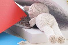 """Un peu de lecture avec le chien d'Agathe Rose issu du livre """"les Doudous d'Agathe Rose"""". #maillescrochet #amigurumi #crochet #crochetaddict #crochetlove by maillescrochet"""