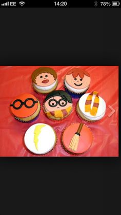 Find images and videos about harry potter on We Heart It - the app to get lost in what you love. Harry Potter Cupcakes, Call Me Cupcake, Little Red, We Heart It, Treats, Sweet Like Candy, Goodies, Sweets, Snacks