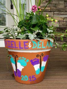 40 easy pot painting ideas and designs for beginners grootouderdag, moederd Grandmas Mothers Day Gifts, Mothers Day Crafts For Kids, Diy Crafts For Kids, Painted Flower Pots, Painted Pots, Daycare Crafts, Baby Crafts, Summer Crafts, Holiday Crafts