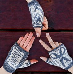 Ravelry: Rock, Paper, Scissors... Fingerless mitts pattern by Annie Watts.