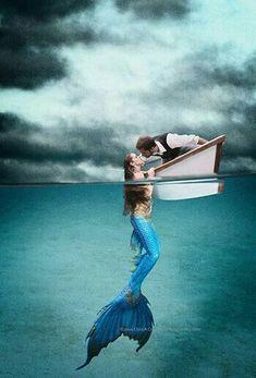 30 New Ideas tattoo mermaid sirens tat Fantasy Mermaids, Real Mermaids, Mermaids And Mermen, Mermaids Exist, Mermaid Tails, Mermaid Art, Mermaid Paintings, Tattoo Mermaid, Mermaid Kisses