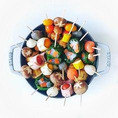 いいね!3,045件、コメント76件 ― Chinamiさん(@chinamisakamoto)のInstagramアカウント: 「Skewer pot and cooked with various ingredients🍵 寒い日に串鍋はいかがでしょう . #串鍋 あったまるよ #食材を下準備すればあとは火にかけるだけ」