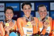 Lizzie Deignan of Great Britain celebrates with her Boels Dolmans team mates after winning the Women's Team Time Trial