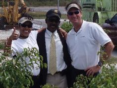 Capt. Ben & Mate Jo in Eleuthera, hanging w/ Mr. Fine Thread, best cabbie in The Bahamas!