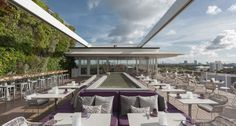 Un bar avec vue chez Juvia http://www.vogue.fr/voyages/hot-spots/diaporama/un-week-end-a-south-beach/18027/image/988732#!guide-de-south-beach-a-miami-hotel-restaurant-juvia-bar