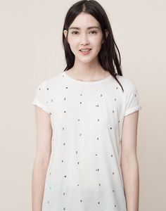 NUMBERS PRINTED T-SHIRT - T-SHIRTS AND TOPS - WOMAN - PULL&BEAR Indonesia