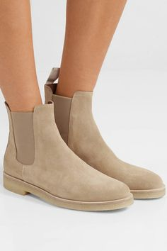 ecdc345e783ae3 Common Projects - Suede Chelsea Boots - Sand
