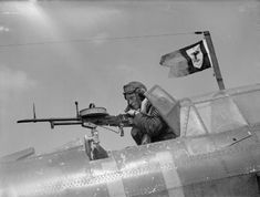A British sergeant air-gunner manned his Vickers K gun from the rear cockpit of a Fairey Battle, May note the unofficial squadron pennant flying from the radio mast Photographer S. Devon Source Imperial War Museum Identification Code C 1653 Ww2 Aircraft, Military Aircraft, Aircraft Photos, Aviation Image, Battle Of Britain, Fighter Pilot, Royal Air Force, Military History, Dieselpunk