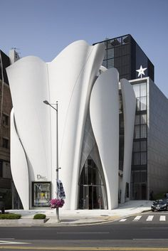 Christian Dior Flagship in Seoul, Seoul, 2015 - Projects Authors: Atelier Christian de Portzamparc
