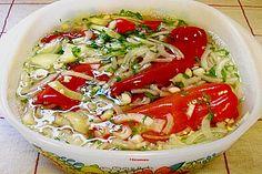 Eingelegte rote Spitzpaprika nach ungarischer Art, ein tolles Rezept aus der Kategorie Snacks und kleine Gerichte. Bewertungen: 12. Durchschnitt: Ø 4,3.