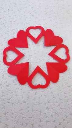 10 Simple and Easy Paper Cutting Crafts - SomLog Valentine's Day Crafts For Kids, Valentine Crafts For Kids, Valentines Art, Fun Diy Crafts, Holiday Crafts, Origami And Kirigami, Paper Crafts Origami, Easy Paper Crafts, Piano Crafts