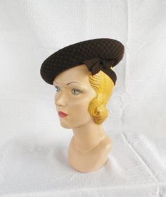 1930s Vintage Brown Felt Tilt Hat with Side Bow Poppy Hats