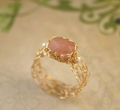 Pink Jade Ring with Freshwater Pearls - Wire Crocheted Gold Fill . Jewelry Art, Gold Jewelry, Beaded Jewelry, Jewelry Accessories, Handmade Jewelry, Jewelry Design, Fashion Jewelry, Fashion Rings, Crochet Rings