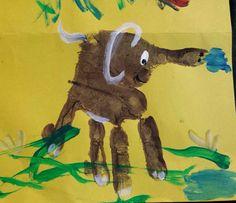 Elefante com mão de bebê Hands print