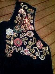 This Pin was discovered by HIN Zardosi Embroidery, Hand Embroidery Dress, Bead Embroidery Patterns, Embroidery Suits, Embroidery Fashion, Embroidery Patches, Hand Embroidery Designs, Beaded Embroidery, Tambour Beading