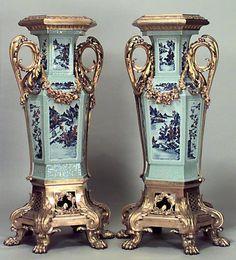 French Louis XV misc. furniture pedestal porcelain