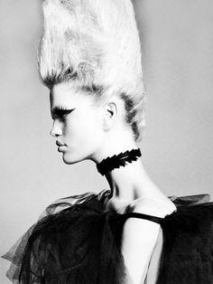 Daphne Groeneveld - Fashion Mag Favorites – Italian Vogue April2011
