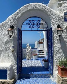 European Summer, Italian Summer, Wonderful Places, Beautiful Places, Places To Travel, Places To Visit, Foto Instagram, Summer Aesthetic, Blue Aesthetic