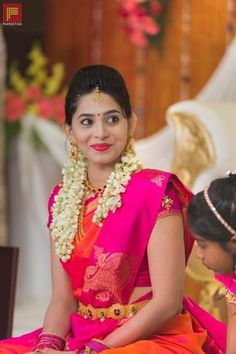 Very interesting colour combination! Dark pink and orange Sari - Very interesting colour combination! Dark pink and orange Sari - South Indian Wedding Saree, Saree Wedding, Wedding Bride, South Indian Weddings, Punjabi Wedding, Wedding Couples, Boho Wedding, Wedding Reception, Wedding Dresses
