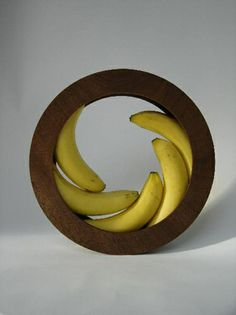 Banana bowl by Helena Schepens - wonderfully simple and elegant design Kitchen Gadgets, Cooking Gadgets, Kitchen Stuff, Kitchen Tools, Cooking Tips, Cool Gadgets, Wood Turning, Kitchen Accessories, Furniture Design
