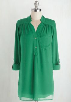 Pam Breeze-ly Tunic in Green From the Plus Size Fashion Community at www.VintageandCurvy.com
