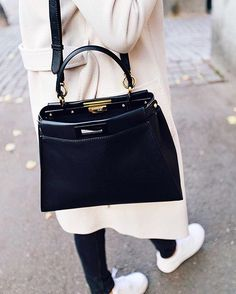 Fendi Bags, Cute Jackets, Bags 2018, Peek A Boos, Fashion Outfits, Womens  Fashion, Purses, Fashion Looks, Handbags 1a6ffe6c4b