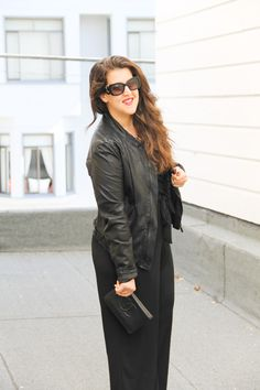 A Jumpsuit that is flattering for curvaceous women!