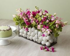 Fiori e uova per Pasqua - Arredare casa con i fiori per Pasqua.