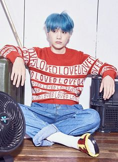 Cropped out Concept photos 'V' version #BTS #LOVE YOURSELF