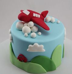 Airplane cake, I love this SO much. Too bad the baker of this amazing cake is all the way in Australia. Baby Cakes, Cupcake Cakes, Planes Cake, Airplane Cakes, Airplane Birthday Cakes, Airplane Kids, Planes Party, Airplane Party, Cupcakes Decorados
