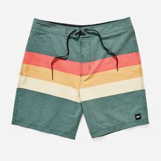 Designed for comfort, the mens Laneway Boardshort is perfect for beach days right on through your weekend adventures. Constructed with a 2-way stretch super soft cotton/poly blend. Features 17 inch ou