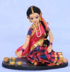 Telugu Lady in Half SAree MAking Rangoli by ARTEFAKT (Papier-machie artwork)