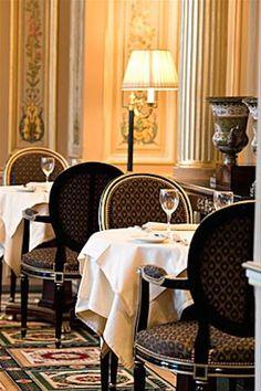 Café de la Paix, opened in 1862 Paris, France. My parents favorite! French Interior, Interior Design, Piscina Hotel, Resto Paris, Pont Paris, Grande Hotel, Hotel Restaurant, Art Deco, I Love Paris